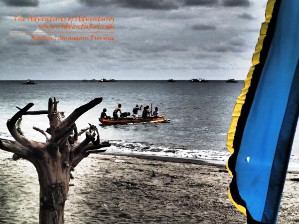 Fishermen in pursue of the Bangsi