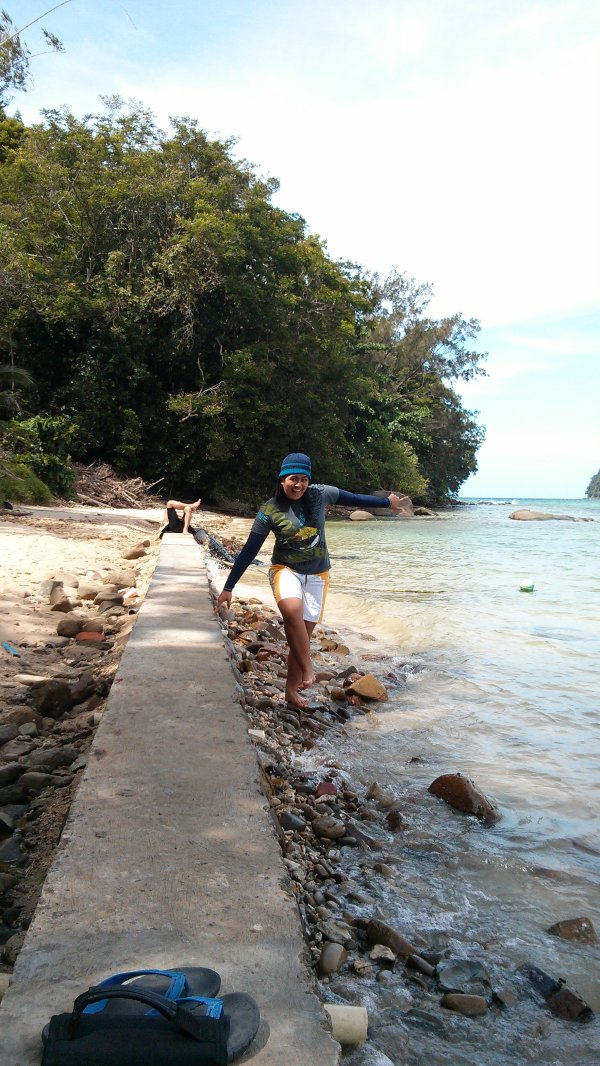 Around Sapi Island